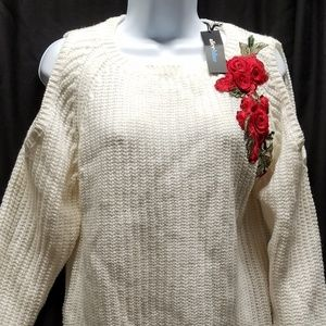 Alice blue ivory sweater w/embroider flowers